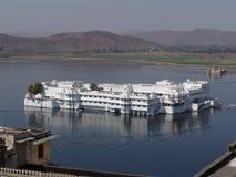旅馆湖宫殿udaipur 免版税图库摄影
