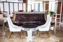 旅馆的休息室地区,俱乐部,公司大厅 免版税库存照片