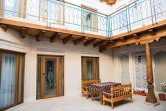 旅馆的内部在布哈拉 库存图片