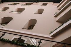 旅馆的Windows 免版税库存照片
