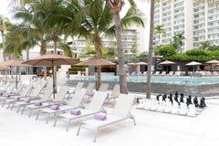 旅馆非常美丽池游泳 免版税库存图片