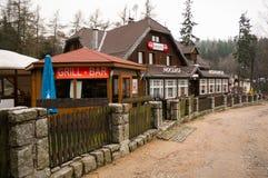旅馆餐馆在卡尔帕奇 图库摄影