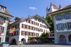 旅馆餐馆Zunfthaus zu Metzgern在图恩 免版税库存照片