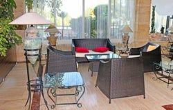 旅馆,安塔利亚的内部有休息室区域的 免版税库存图片