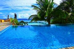 旅馆水池马尔代夫 免版税库存图片