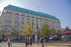 旅馆Adlon Kempinsky在柏林 免版税库存图片