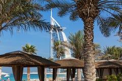 旅馆Burj Al阿拉伯人Jumeirah在迪拜 免版税库存图片