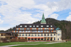 旅馆Elmau Schloss山顶G8后院2015年 图库摄影