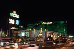 旅馆las mgm晚上主街上维加斯 免版税图库摄影