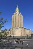 旅馆Leningradskaya的苏联建筑学的例子在Mo 图库摄影
