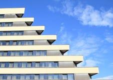 旅馆Pyramida的Windows 库存照片
