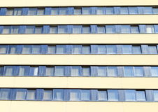 旅馆Pyramida的Windows 图库摄影