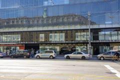 旅馆Schweizerhof反射 免版税图库摄影