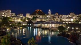 旅馆Volcà ¡ n兰萨罗特岛在晚上 库存图片