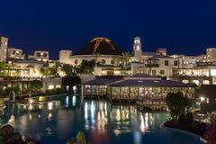 旅馆Volcà ¡ n兰萨罗特岛在晚上 免版税图库摄影