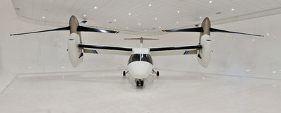 旋转翼倾斜的AgustaWestland AW609 库存图片