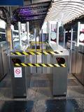 旋转门在服务范围外Gare巴黎Est法国 库存照片