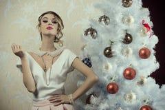 贵族圣诞节女孩 免版税图库摄影