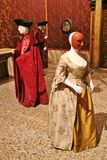 贵族的典型的衣物在威尼斯,意大利 免版税库存照片
