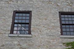 旗子在窗口里 免版税库存照片