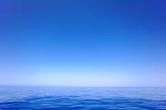 无云和玻璃状安静2 库存图片