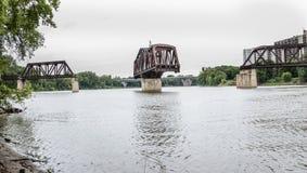 无关联老铁路的吊桥 图库摄影