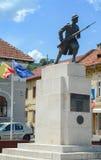无名战士雕象在联合广场,布拉索夫,罗马尼亚 纪念碑建于1939年和致力英雄的第一 图库摄影