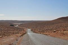 无处沙漠路 免版税库存照片
