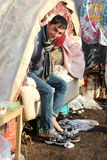 无家可归的生存人员下雪下 库存照片