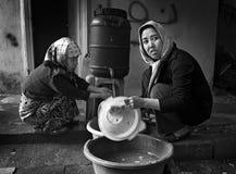 无家可归的难民在雅典,希腊 库存图片