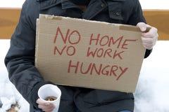 无家可归的饥饿的失业者 免版税库存照片