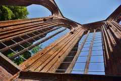 无屋顶德国教会Klosterkirche的废墟在中央柏林 免版税库存照片