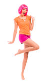 无忧无虑的女孩跳舞。 免版税库存图片