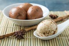 无情的汉语使有大理石花纹的茶鸡蛋 免版税库存照片