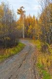 无提名,在半岛堪察加,俄罗斯的石渣路 免版税库存照片