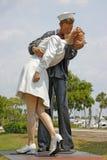 无条件的投降雕象在Sarasota 免版税库存照片