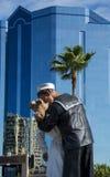 无条件投降雕象在萨拉索塔 免版税库存图片