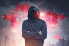 无法认出的黑客,城市,世界地图 免版税库存照片