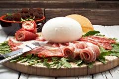 无盐干酪意大利辣味香肠 免版税库存照片