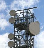 无线电中继器和沟通的与手机 免版税库存照片