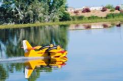无线电操纵的式样水上飞机 免版税库存图片
