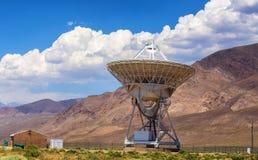 无线电望远镜欧文斯谷收音机观测所 库存照片