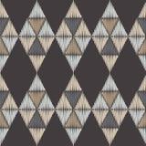 无缝抽象几何的模式 三角的纹理 五颜六色的刺绣织品 手孵化 免版税图库摄影