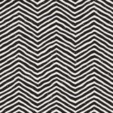 无缝拉长的现有量的模式 在黑白的抽象几何盖瓦背景 传染媒介时髦的乱画线格子 库存照片