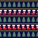无缝的圣诞节样式- Xmas树、星和xmas袜子 免版税库存图片