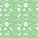 无缝的技术传染媒介样式,与个人计算机,显示器,耳机,圆盘,路由器,插口,电池白色象的混乱背景  免版税库存照片