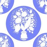 无缝的样式与传统化郁金香剪影在罐的 免版税库存照片