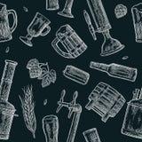 无缝的样式啤酒轻拍、类、罐、瓶和蛇麻草 皇族释放例证
