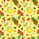 无缝的样式用夏天果子和柠檬水 库存照片
