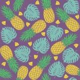 无缝的样式用菠萝 免版税图库摄影